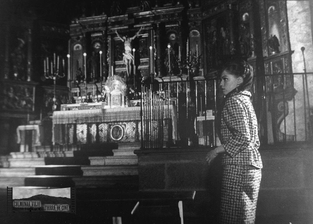May Heatherly en Ella y el miedo. Basílica de la Asunción de Nuestra Señora en Colmenar Viejo.
