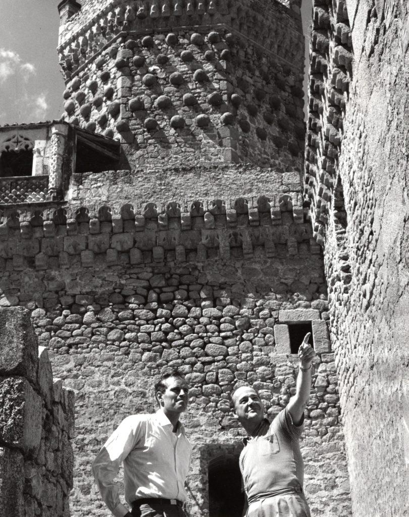Charlton Heston y Anthony Mann de promoción de El Cid en la Ermita de Nuestra Señora de los Remedios